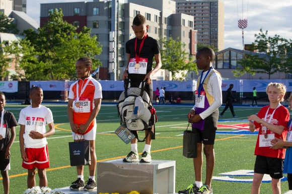 Nasi Willabus – Stephen wins the Cisco Fastest Kid (Boy) competition at the Toronto Track and Field Game. Mundo Sport Images/Geoff Robins